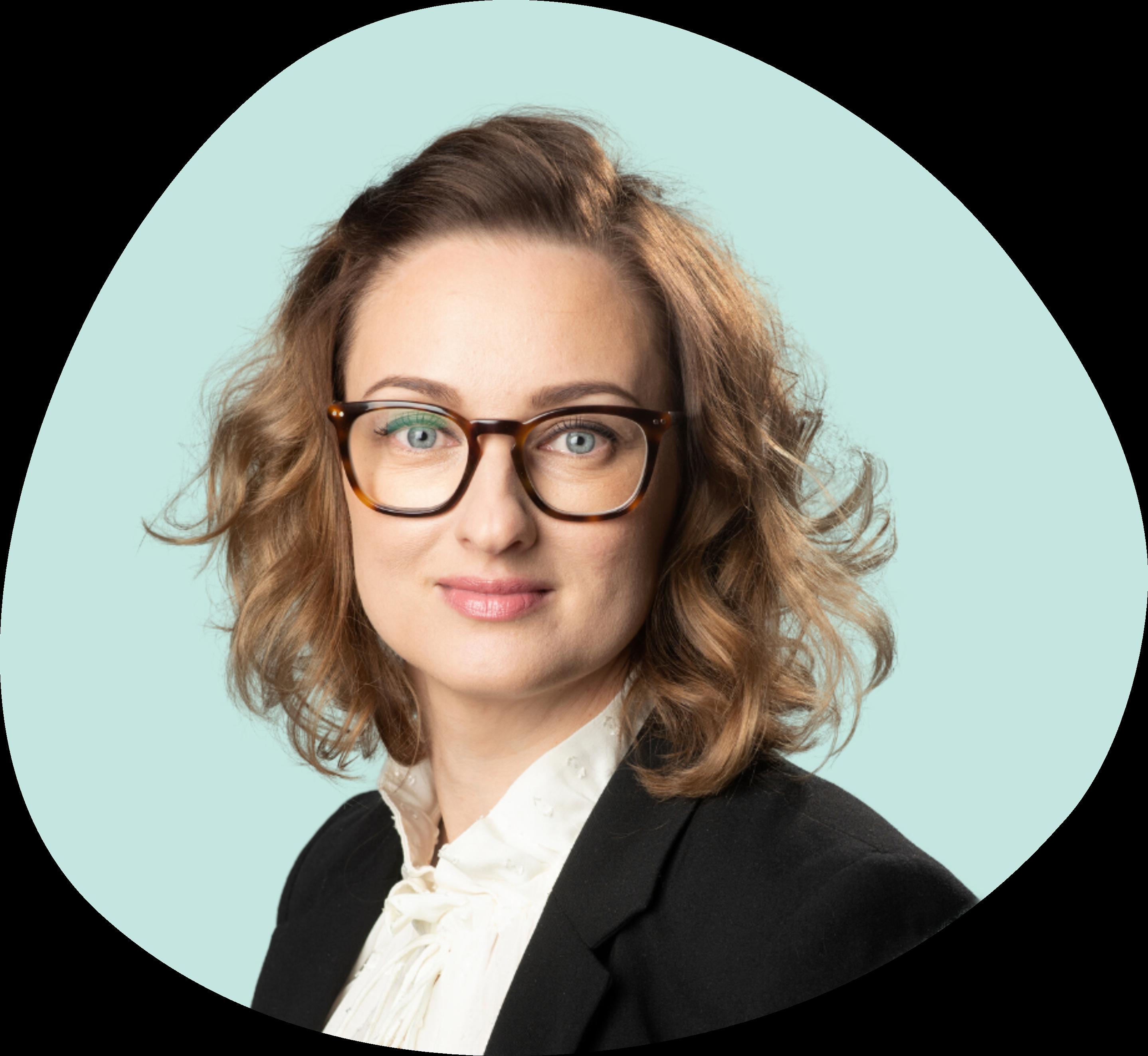 Johanna Säynäjäkangas on toinen yrityksen perustajista, jolla on yli kymmenen vuoden kokemus osaamisen ja liiketoiminnan kehittämisen projekteista sekä niiden johtamisesta.